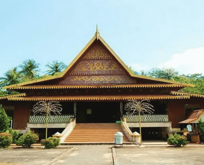 Rumah-adat-Riau